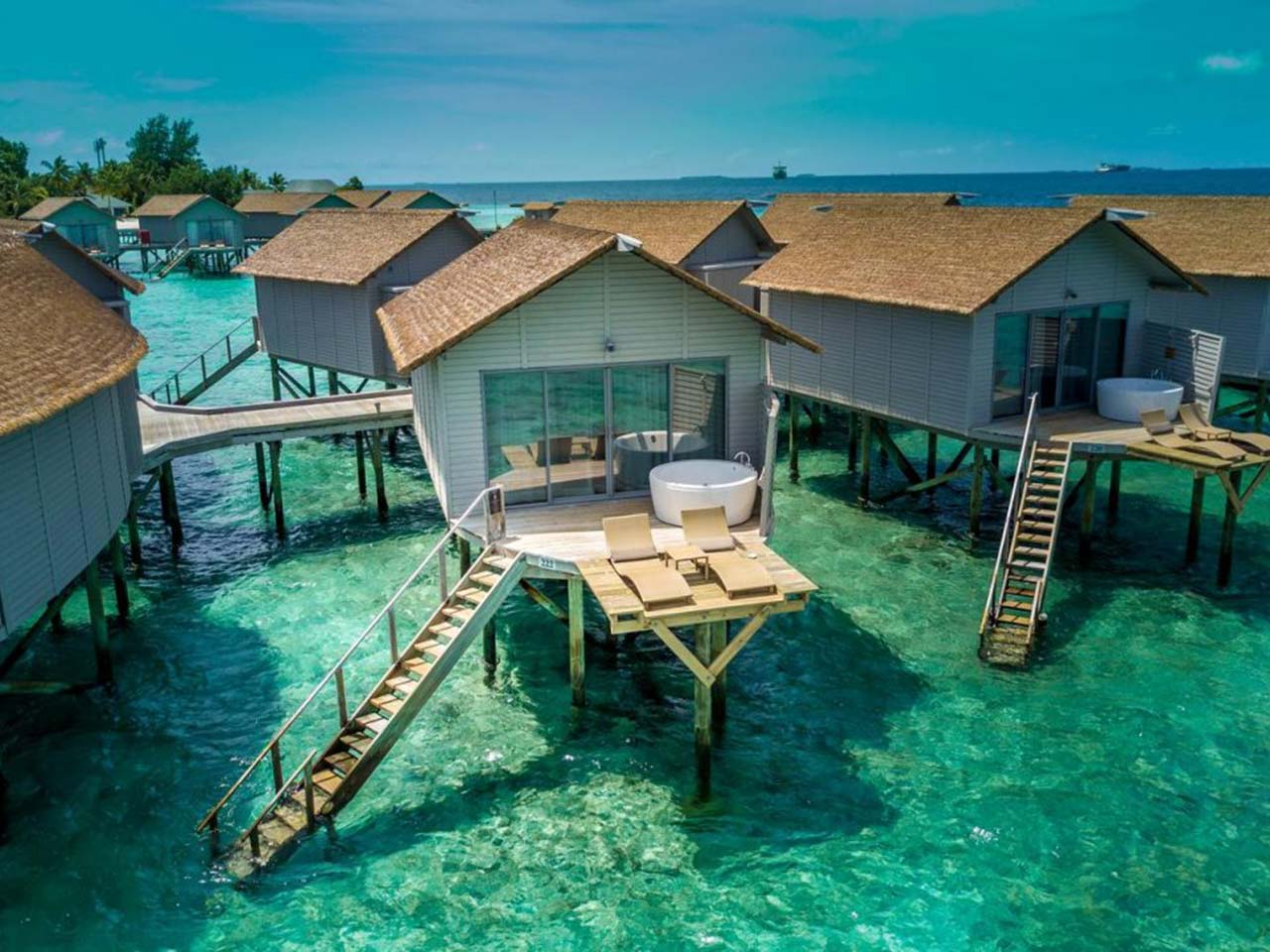 resort bungalow Maldives